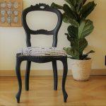 zelf je eigen meubel opknappen, stoel met krant print
